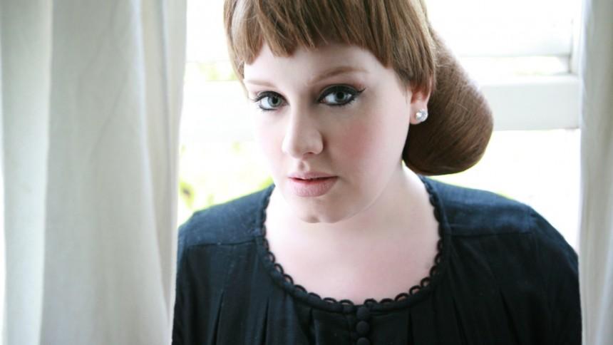 Adele är tillbaka