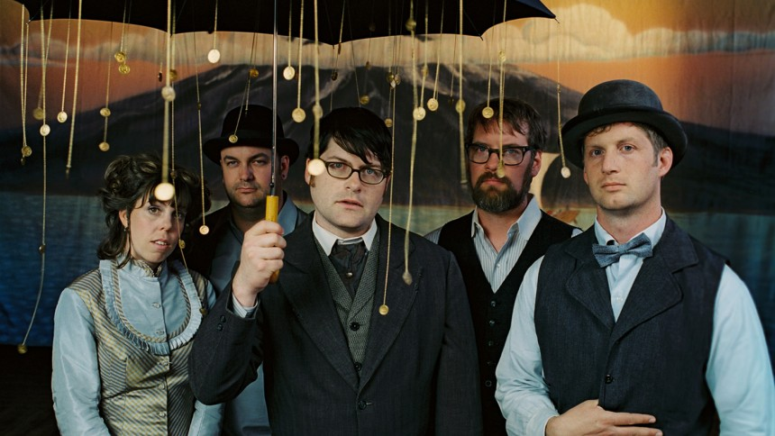 The Decemberists går country