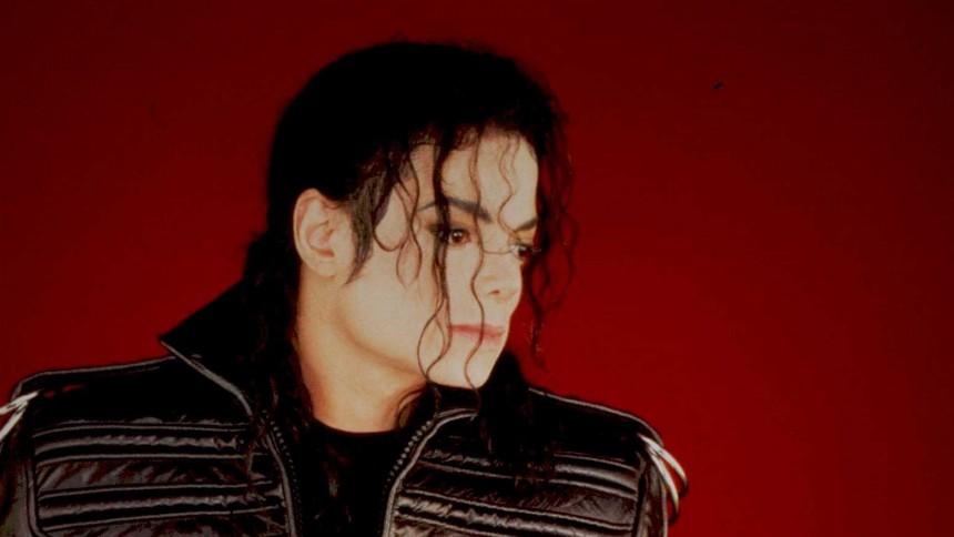 """Michael Jackson gömde grov porr – """"Användes för att göra barnen avtrubbade"""""""