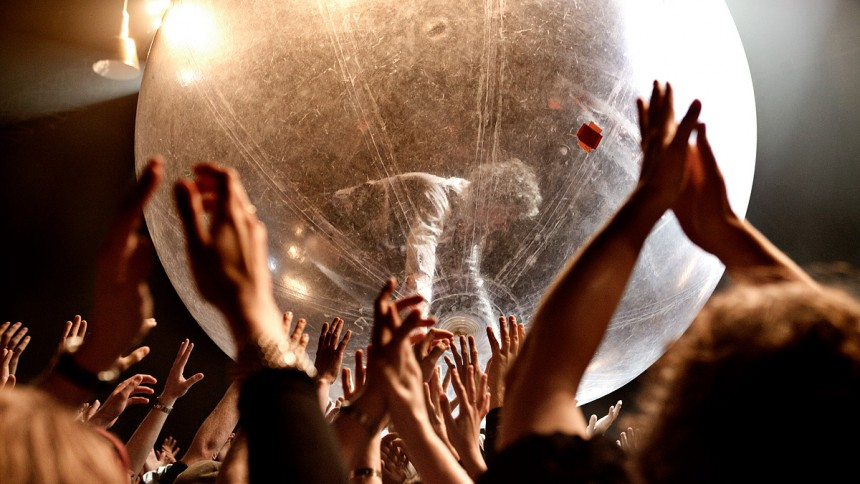 The Flaming Lips planer – publiken i bubblor