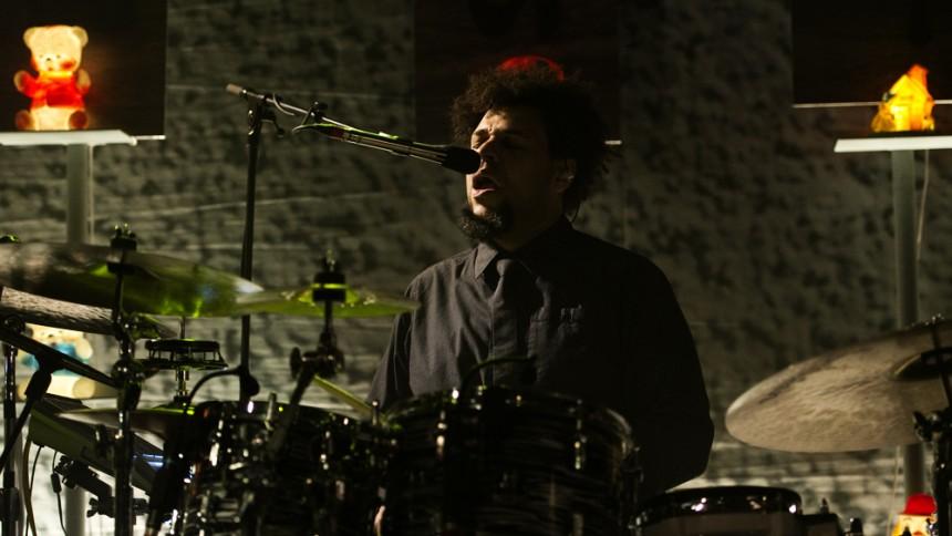 Crowded Houses trummis död