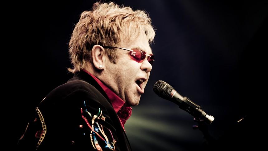 Elton John på Kate Bushs nya album