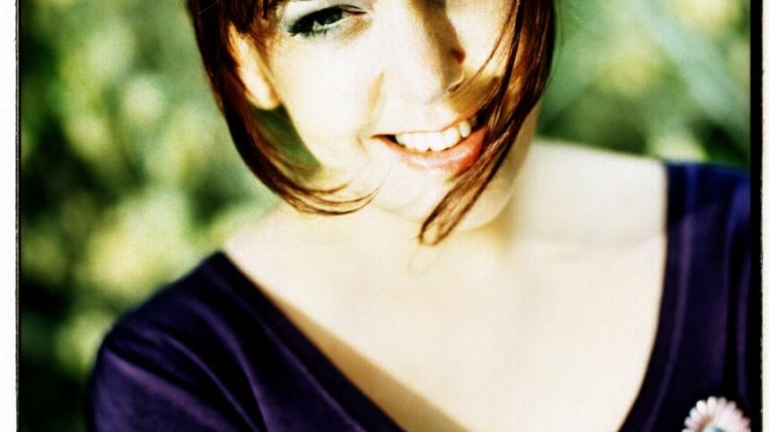 Marit Bergman spelar upp nya låtar i talkshow
