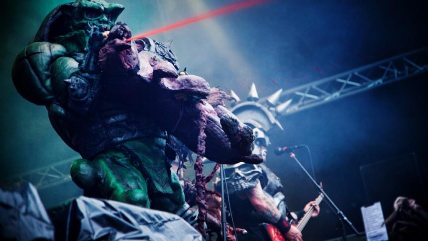 Gwar-gitarrist död
