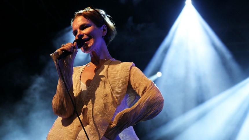 Anna Järvinen: Peace & Love 2011, Athena