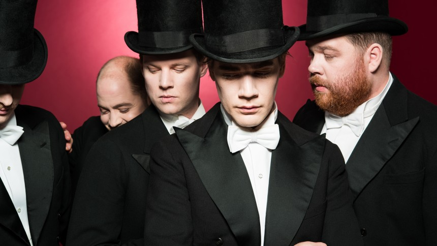 Sveriges kaxigaste band tar av munkaveln