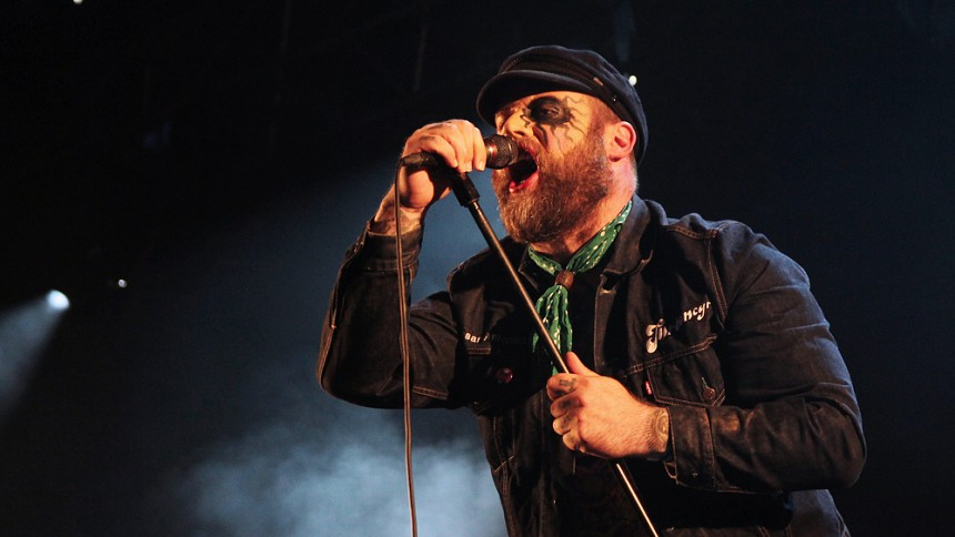 West Coast Riot fullbordar med Turbonegro