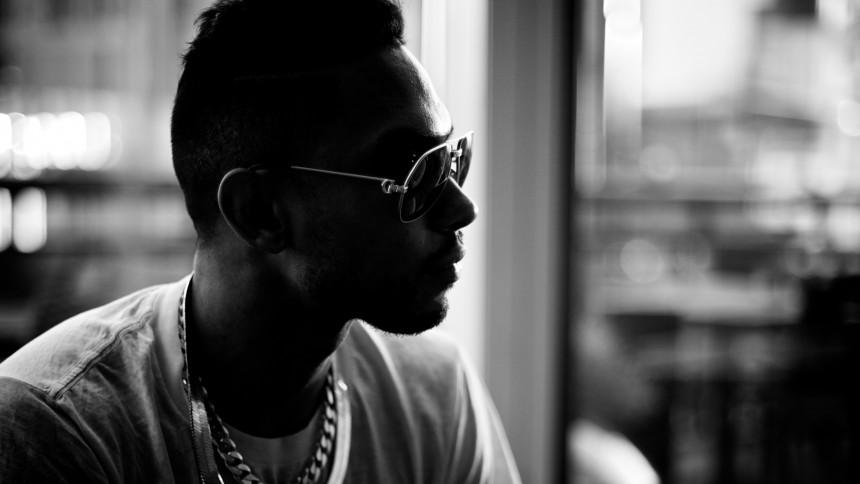 Känd R&B-sångare arresterad