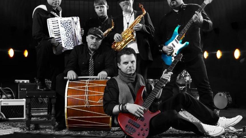 Musiker tar ton för antirasismen