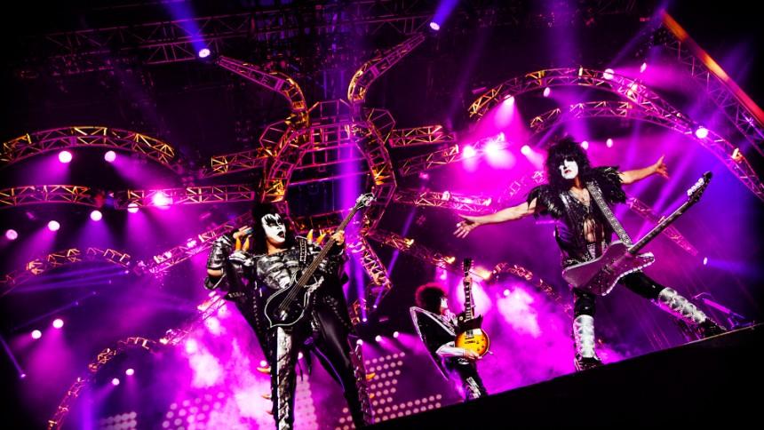 GUIDE: Veckans konsertmåsten – från äkta ikoner till debuterande gitarrentusiaster