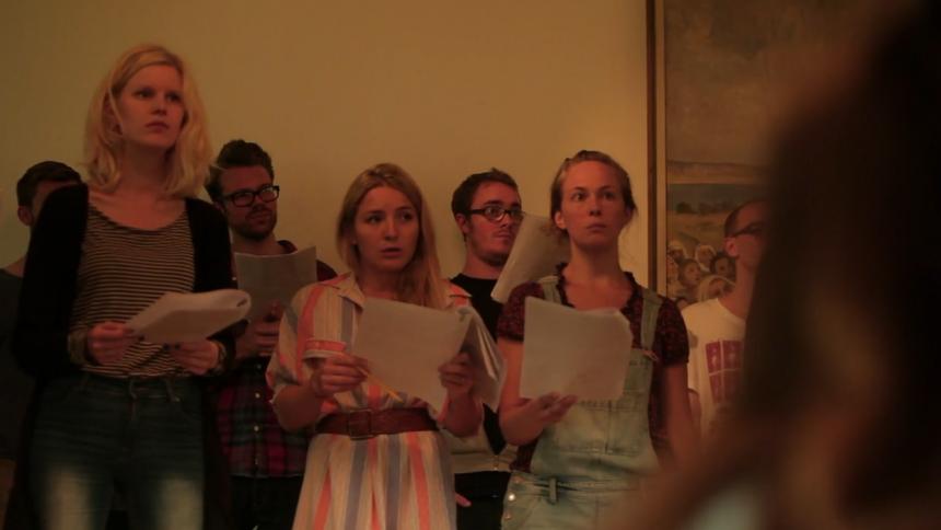 PREMIÄR: Xenia Kriisin och stor kör skapar ljuv musik