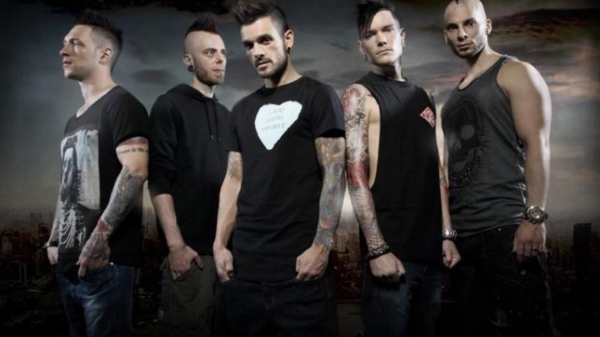 Svenska band inlåsta av rysk militärpolis