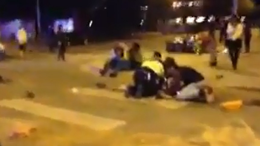 Två döda när bil mejade ner festivalpublik