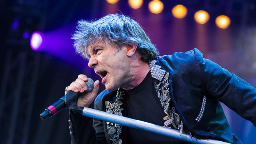 Iron Maiden-Bruce insjuknad i cancer