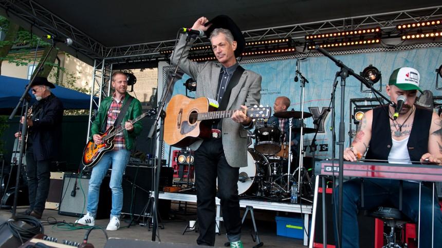 Doug Seegers klar för ny stjärntät festival