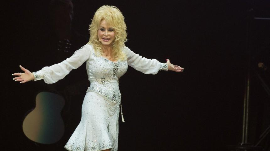 """Dolly: """"Våra vita små arslen är inte de enda som räknas"""""""