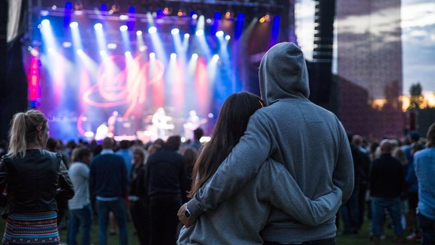 Lovande svensk festival i konkurs