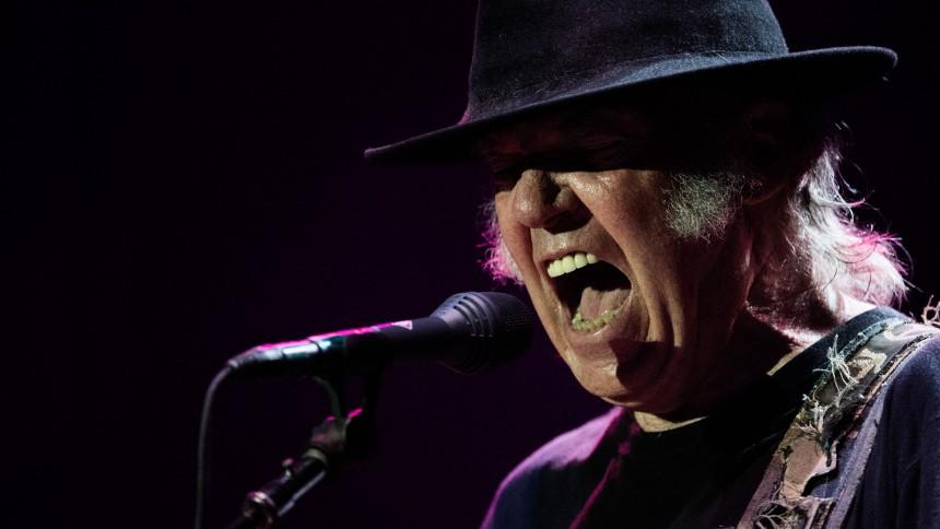 Källa: Neil Young till Sverige med avskedsturné