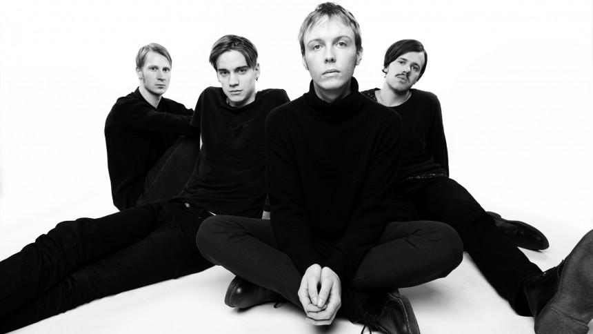 ''Sen är det ju tyvärr Sveriges ocoolaste band vi jämförs med''