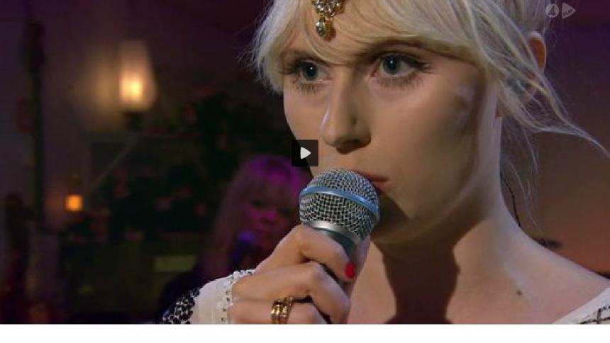 Här tar Amanda Jenssen Så Mycket Bättre-gänget med storm