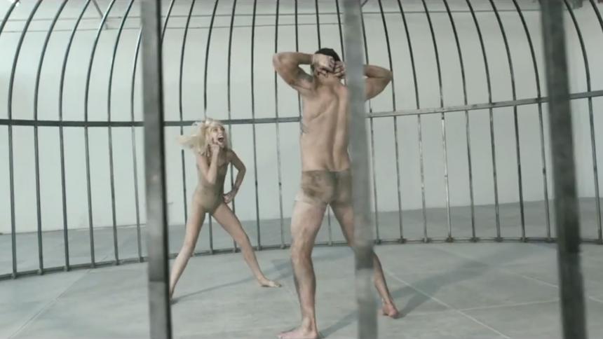 Hysteriskt kul: Se nya Sia-videon – med helt andra ljud