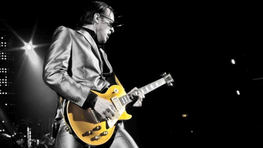 Legendarisk gitarrist till Stockholm