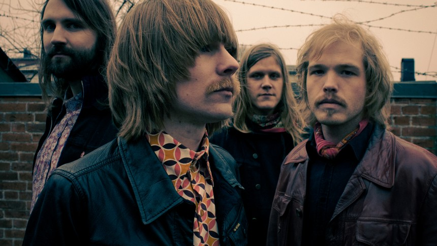 Hyllad svensk rock rusar upp på Studentradiolistan
