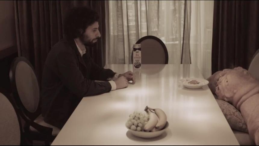 Se José González i Calexicos nya video