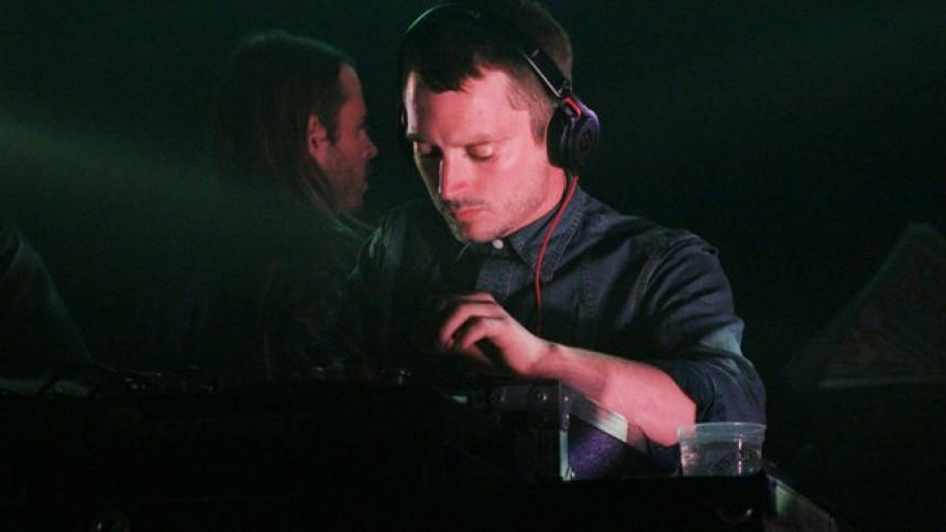 Efter sommarens strul – Elijah Wood DJ:ar snart i Sverige