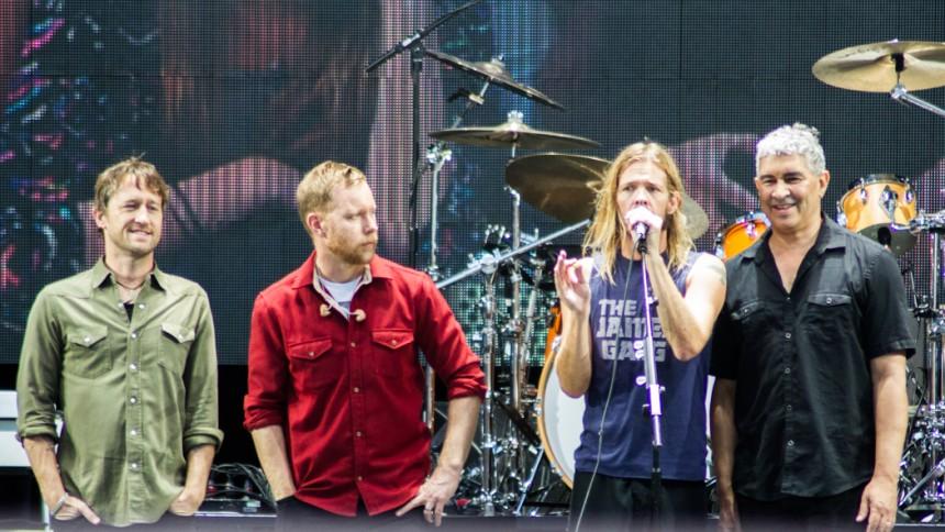 Terrorattentatet ställer in Foo Fighters turné