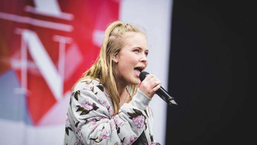 Zara Larsson i officiella EM-låten - hör smakprov