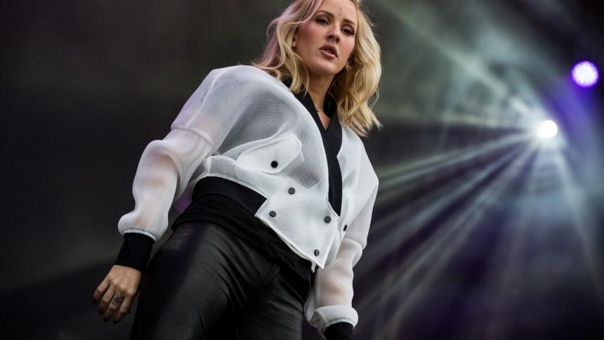 Ellie Goulding har Sverigefnatt på nya skivan – hyllar Laleh-samarbete