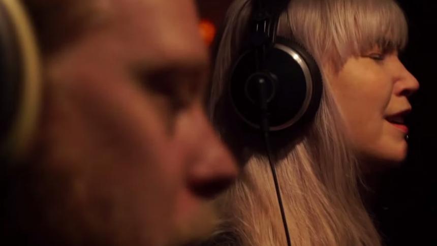 VIDEOPREMIÄR: Elin Ruth Feat. Kristofer Åström – Like Misery loves Company