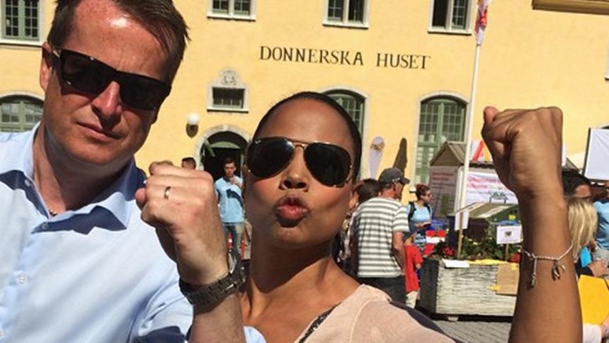 Läs kulturministerns fina hyllning till Zara Larsson