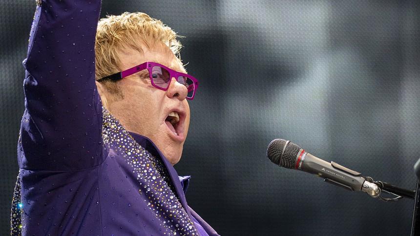 Elton John och Putin ska träffas