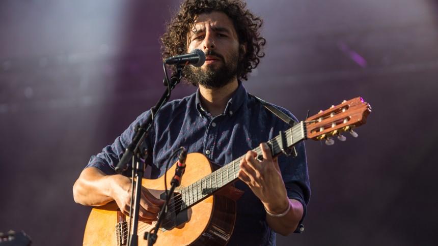 En gitarrvirtuos i kontakt med musikens innersta väsen