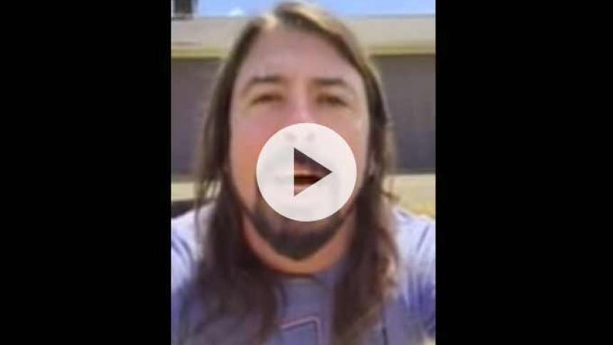 Se Dave Grohl svara alla 1000 musiker som spelade Learn To Fly