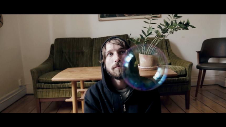 VIDEOPREMIÄR: Adam Chiapponi & Fabriken – Sthlm