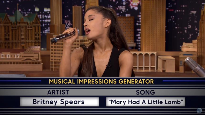 Se Ariana Grande parodiera sina kollegor exemplariskt