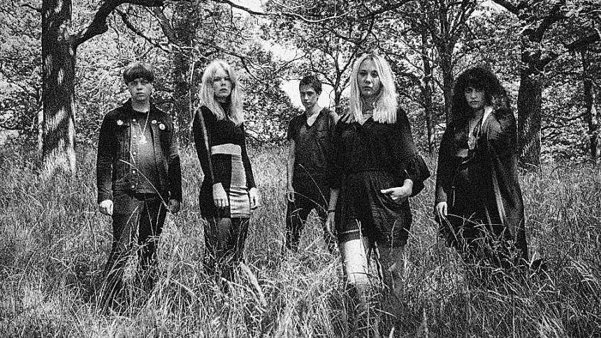 Bandet som uppmärksammar ''Shoreline''-vänstern