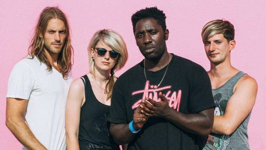 Hör ny låt med Bloc Party