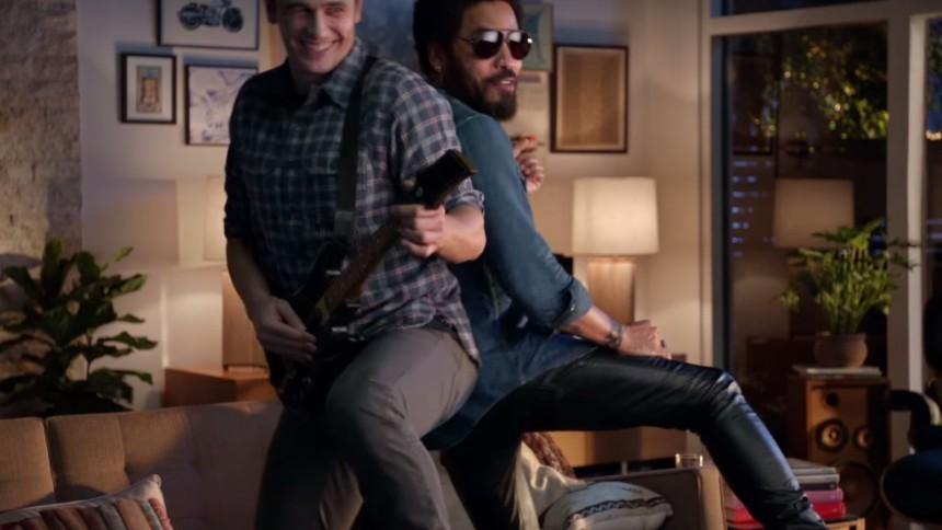 Här driver James Franco och Lenny Kravitz med #Penisgate
