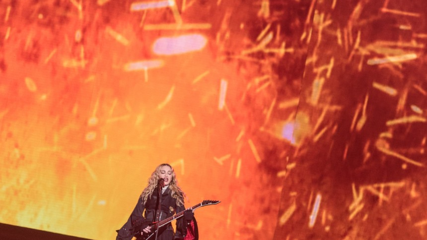 Publikrekord och gripande tal – så bra var Madonna i Stockholm