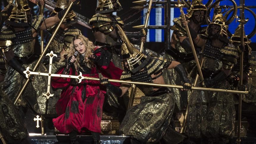Efter utskällt tal – nu svarar Madonna på kritiken