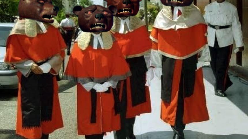 Teddybears i rättstvist – album skjuts upp
