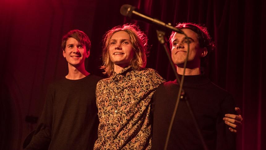 Ulrik Munther - Live På Bar Teatral