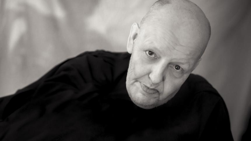 Freddie Wadling är tillbaka – tar hjälp av Håkan Hellström