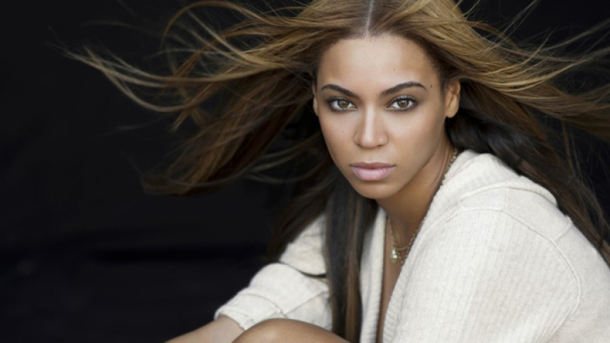 Erik Almqvist attackerar Beyoncé på Twitter