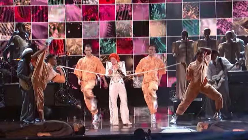 Se Lady Gagas Bowie-hyllning