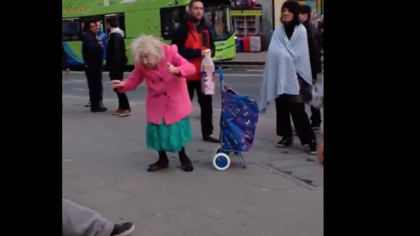 Viral video: Kolla in tantens fantastiska dans